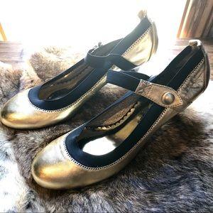 Chinese Laundry Gold kitten heels-sz. 9